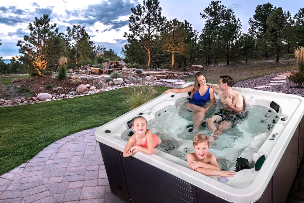 Arcitic Spas Grizzly on Patio