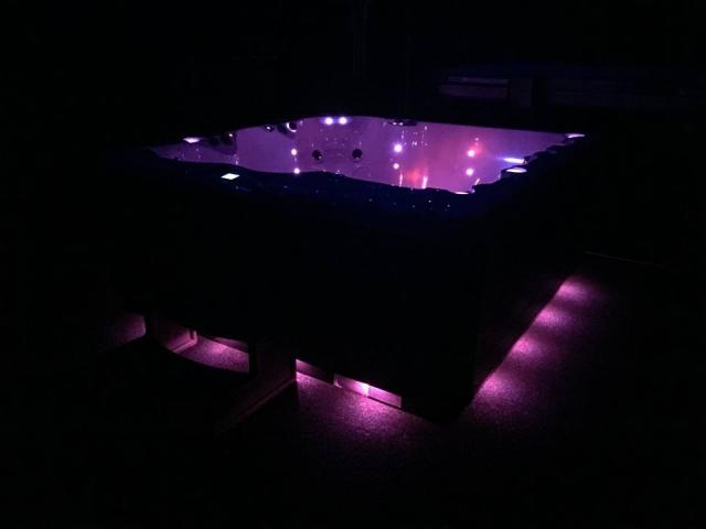 Vita Spas Prestige Perimeter Lighting